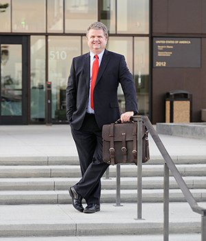 Max Gardner - Bankruptcy Attorney Bakersfield